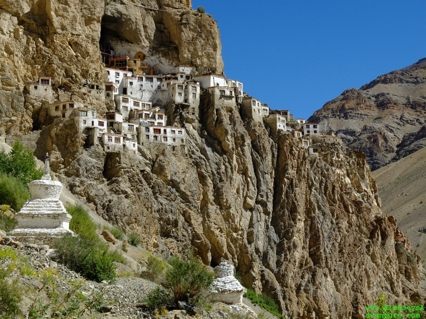 Located on the cliffside is the phugtal monastery.